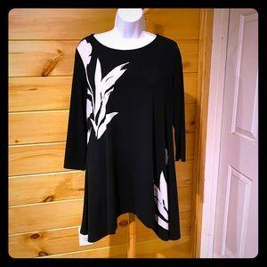 Alfani Sidetail tunic Black & white size Medium